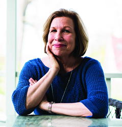 Professor Mary Lou Roberts Headshot